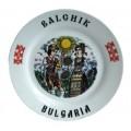 02044.4 Сувенирна керамична чиния с танцьори и надпис Балчик 20 см