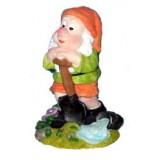 06013 Декоративна фигура на гномче с лопата 18 см